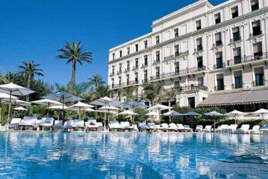 royal-riviera-hotel-seminaire-mer-facade-b-1
