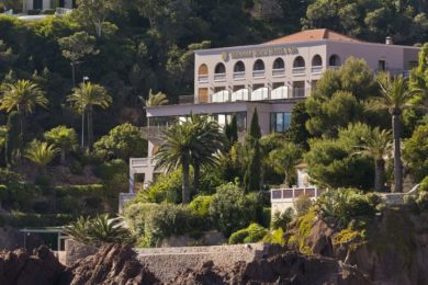 tiara-miramar-beach-hotel-a-spa-facade-1-1